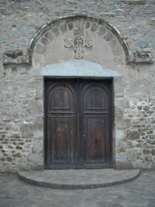 Arles sur Techの扉口