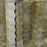 St.Guilhem le Desertの彫刻