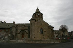 Nasbinalsの教会堂側面