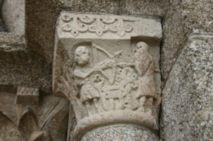 Nasbinalsの柱頭彫刻