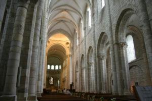 St.Benoit sur Loire 身廊