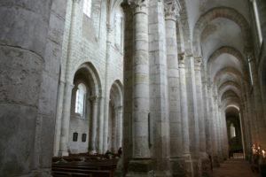 St.Benoit sur Loire 側廊