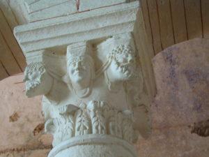 La Celle Bruereの柱頭彫刻