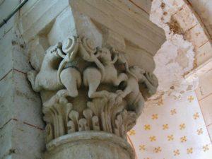 La Celle Bruere 柱頭彫刻