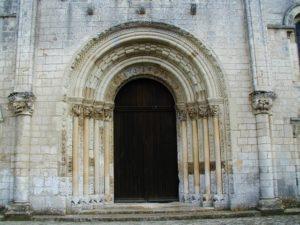 Fontgombaultの扉口