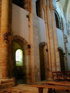 Neuvy St.Sepulcreの身廊