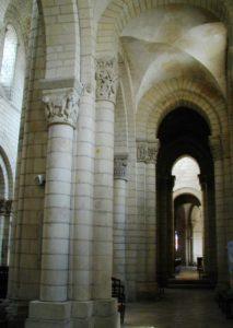 St.Aignan sur Cher 側廊