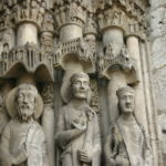 Chartres 扉口彫刻