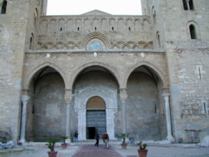 Cefalu 教会堂正面