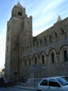 Cefalu 教会堂側面