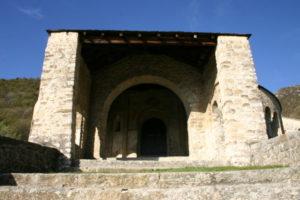 Civate 教会堂正面