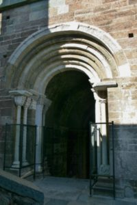 Sacra di San Michele 扉口