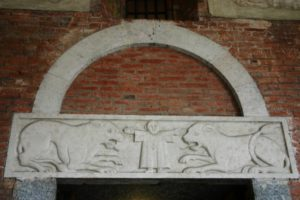 Milano 扉口彫刻