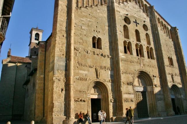 Pavia 教会堂正面