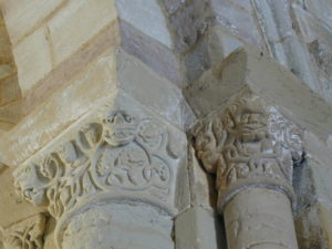 Eunate 柱頭彫刻