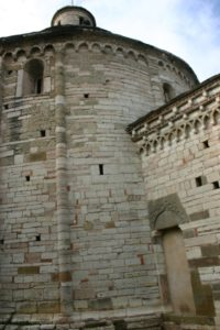 Almenno San Bartolomeo 教会堂側面