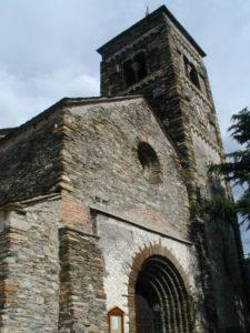 Vall de Cardos / Tirvia 教会堂正面