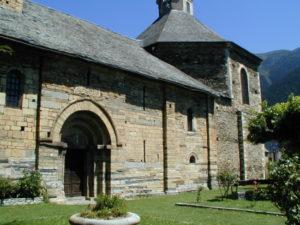 Vall de Aran / Vilac 教会堂側面