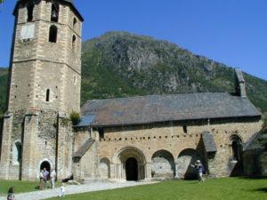 Vall de Aran / Salardu 教会堂側面