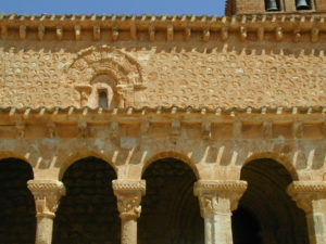 San Esteban de Gormaz / San Migue lポーチ