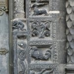St.Denis 左扉口彫刻