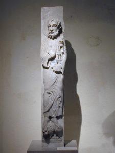 Autun 彫像