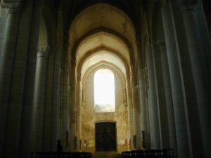 St.Jouin de Marnes 身廊