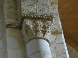 St.Jouin de Marnes 柱頭彫刻