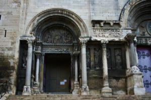 St.Gilles du Gard 左扉口