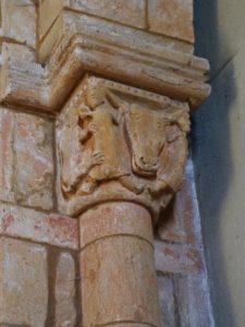 St.Julien de Jonzy 柱頭彫刻