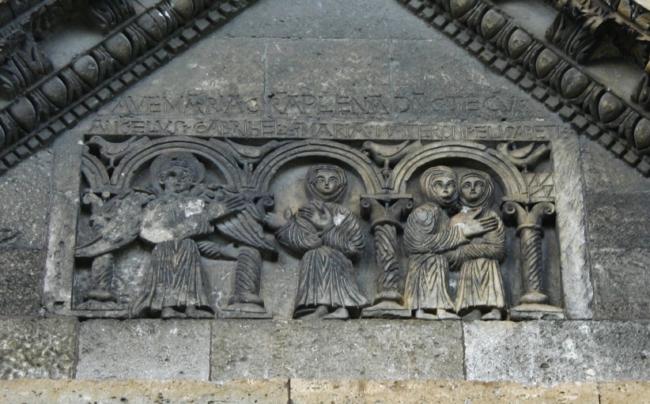 St.Gabriel 扉口彫刻