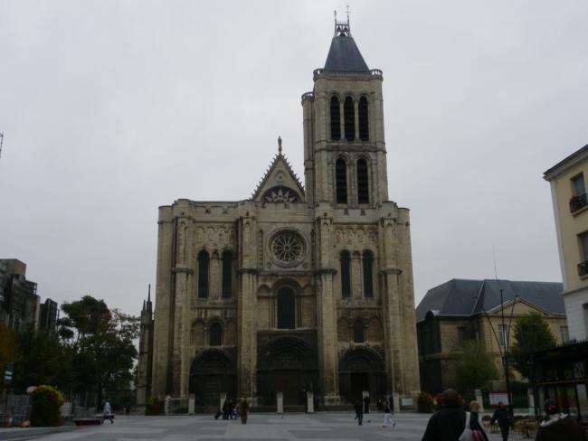 St.Denis  教会堂正面