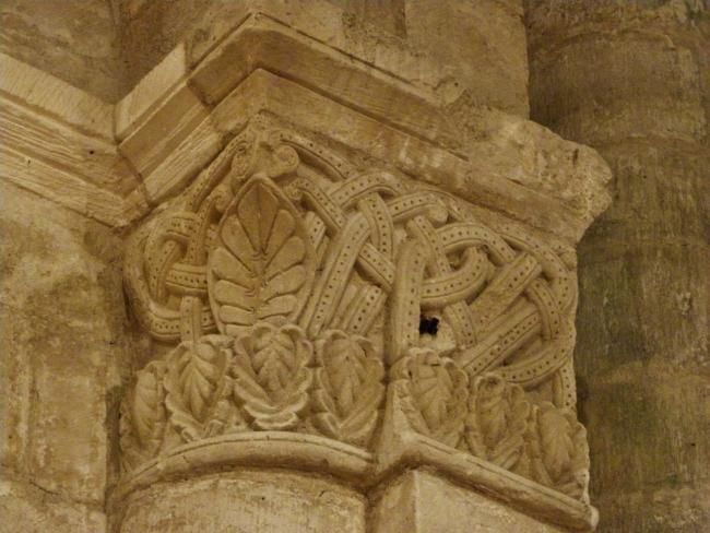Macqueville 柱頭彫刻