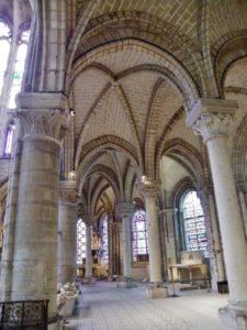 St.Denis 周歩廊