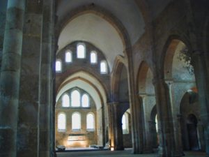 Fontenay 身廊