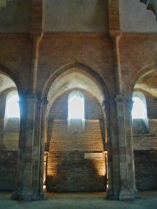 Fontenay 側廊