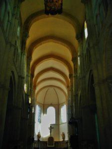 Saulieu 身廊