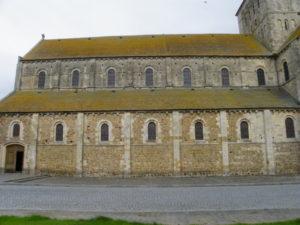 Lessay 教会堂側面