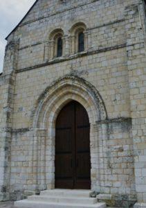 Maneglise 教会堂正面