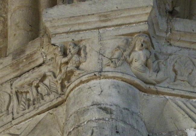 Montivilliers 柱頭彫刻