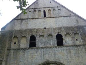 Thaon 教会堂正面