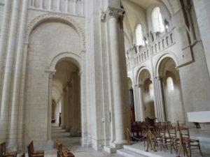 Caen / Le Trinite 交差部
