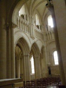 Caen / Le Trinite 翼廊