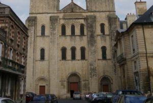 Caen / St.Etienne 教会堂正面
