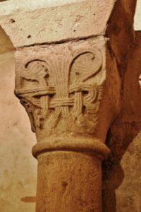 Duravel 柱頭彫刻