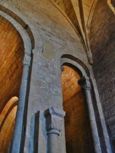 Leyre 側廊
