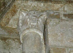 Veauce 柱頭彫刻